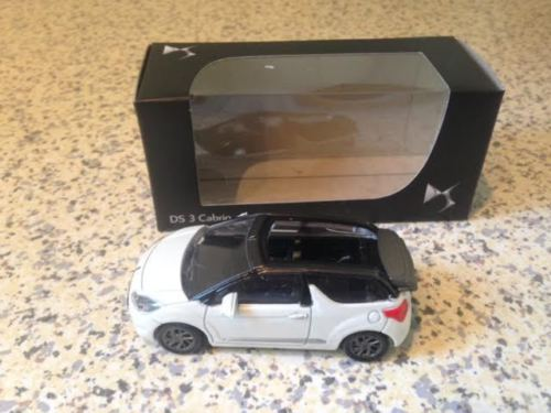 Norev citroën 1/64 , DS3 cabrio wit, grijs dak, Mint in box