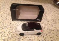 Norev citroën 1/64 , DS3 wit met paars dak, Mint in box, 3